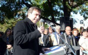 Mestre inauguró obras de cloacas en barrio Las Magnolias.