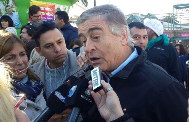 Oscar Aguad participó de un acto junto a Mauricio Macri.