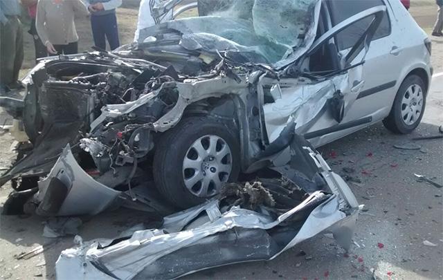 El Peugeot 307 quedó destrozado.