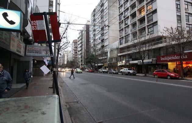 Una parada vacía, la postal por el paro en Córdoba.