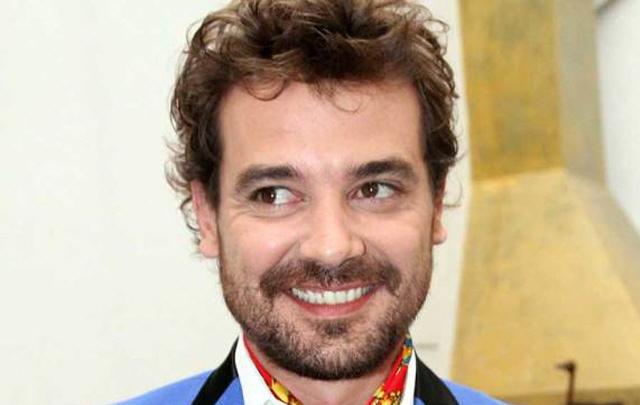 Pedro Alfonso vuelve a la Villa con otra comedia.