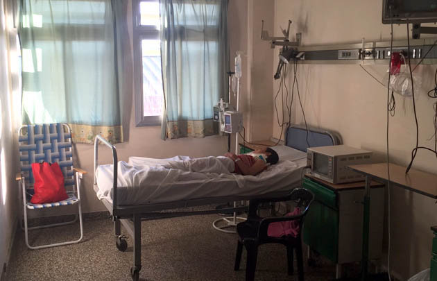 El niño se encuentra internado en el Hospital de Niños de la ciudad.