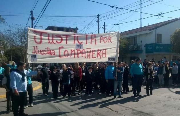 Vecinos se manifestaron en Carlos Paz para exigir justicia por Ingrid.