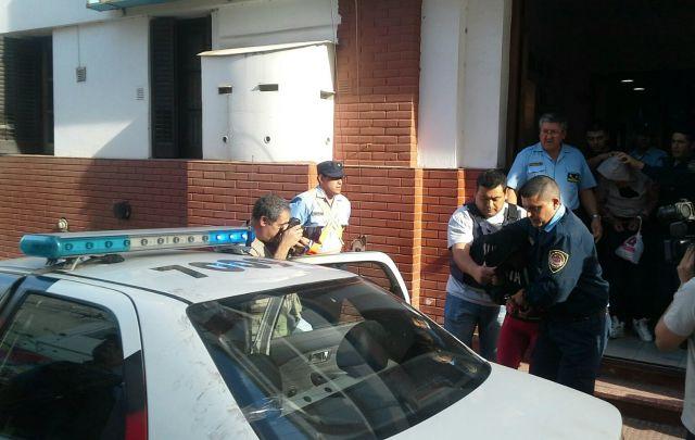 Asesinaron a una joven de 13 pu aladas en r o cuarto for Rio cuarto 230 anos