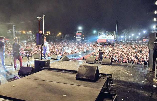 La banda uruguaya Márama cerró la fiesta en Carlos Paz.