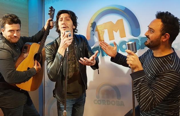 ''Andando Descalzo'' en el estudio de FM Córdoba