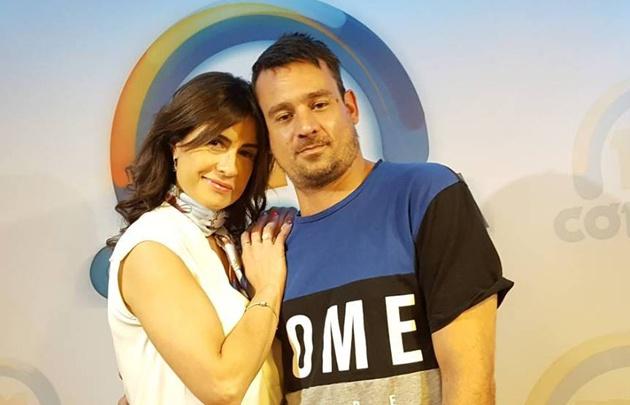 Chano y Gaby Tessio en el estudio de FM Córdoba.