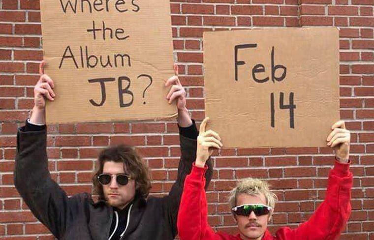 Justin promocionando la salida de su nuevo disco.