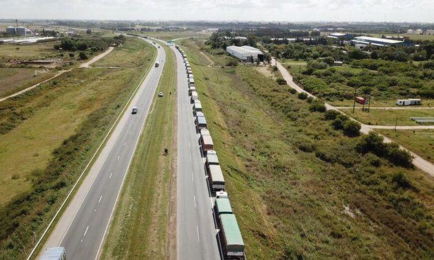 FOTO: Un camión en marcha costó en mayo un 70% más de lo que costaba hace un año.