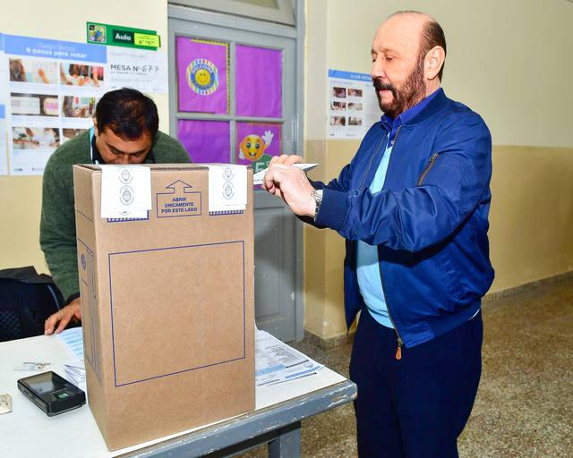 FOTO: Insfrán pudo votar en Laguna Blanca.