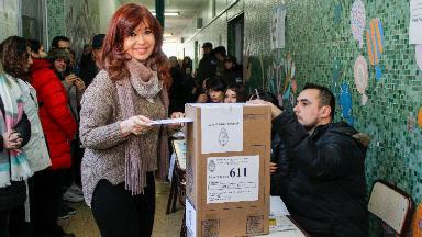 AUDIO: Cristina votó en Santa Cruz sin declarar ante la prensa