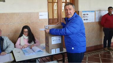 """AUDIO: Schiaretti votó y dijo que las PASO """"son un ensayo general"""""""