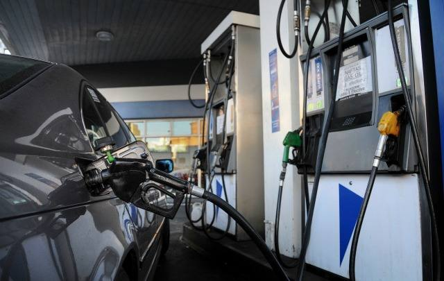 FOTO: El valor de los combustibles, en el ojo de la tormenta.