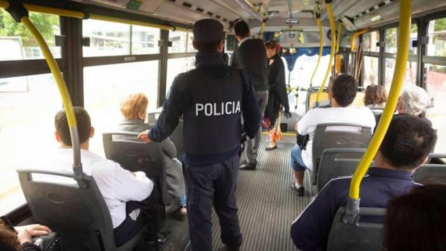 FOTO: Policia colectivo