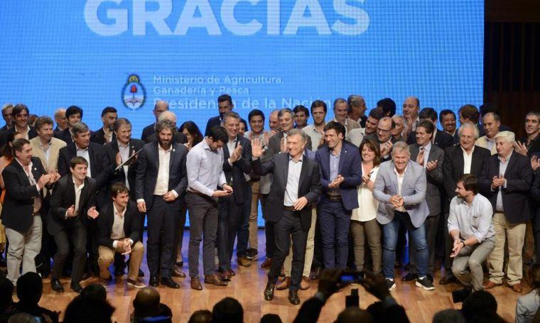 """FOTO: Macri reconoció al campo y convocó """"a cuidar este legado""""."""