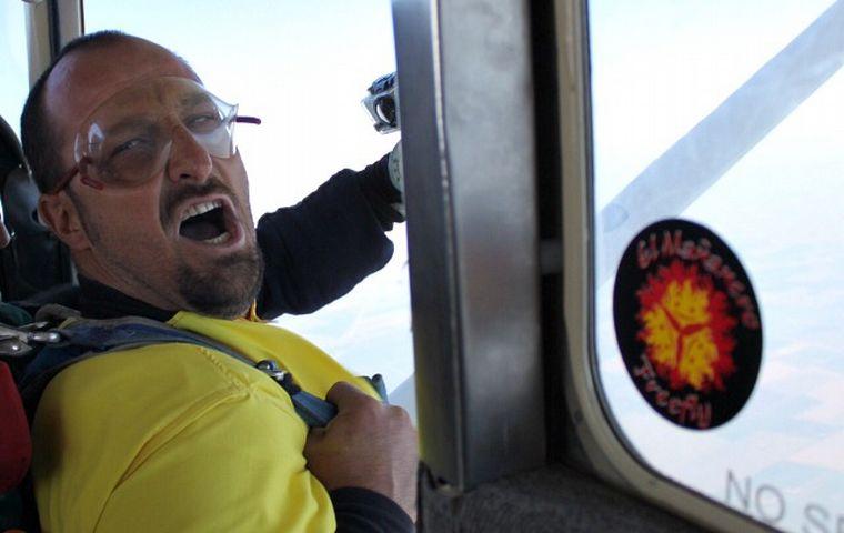 VIDEO: Paracaidismo Alta Gracia