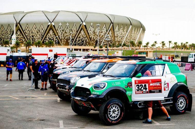 FOTO: Nasser Al Attiyah y su Toyota pusieron primera. Gent. Prensa Dakar