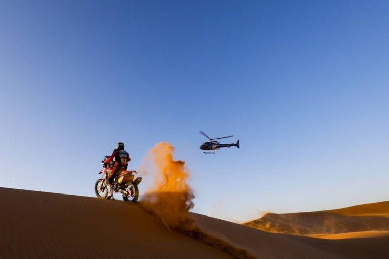 FOTO: Una de las últimas fotos en vida de Paulo Gonçalves en las dunas Gon