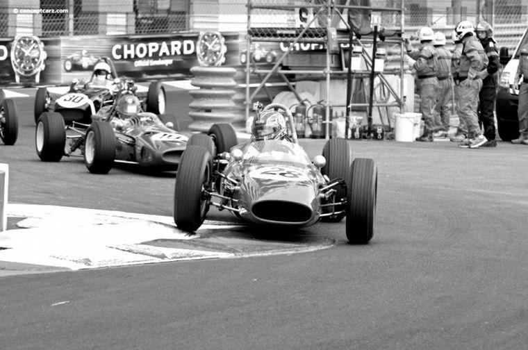 FOTO: El De Tomaso - Alfa Romeo en Mónaco