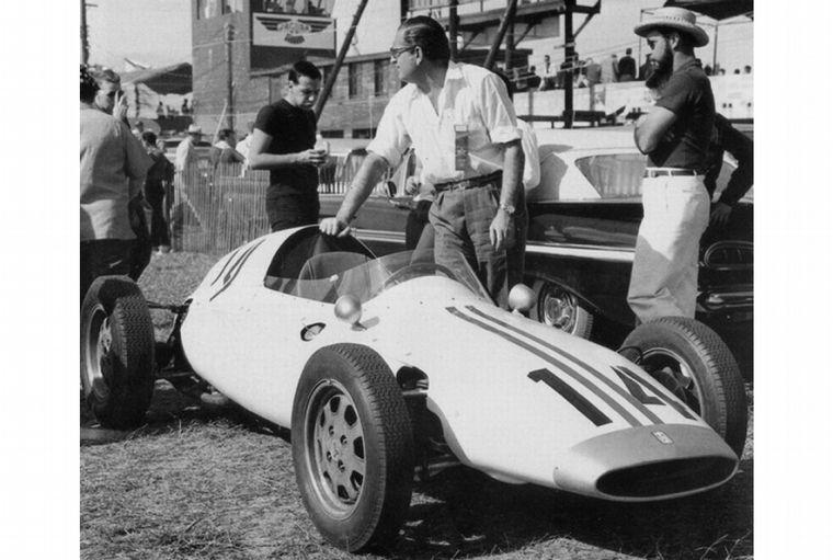 """FOTO: Su primera creación el De Tomaso """"Isis"""" debutó como F2 en Sebring 1959"""