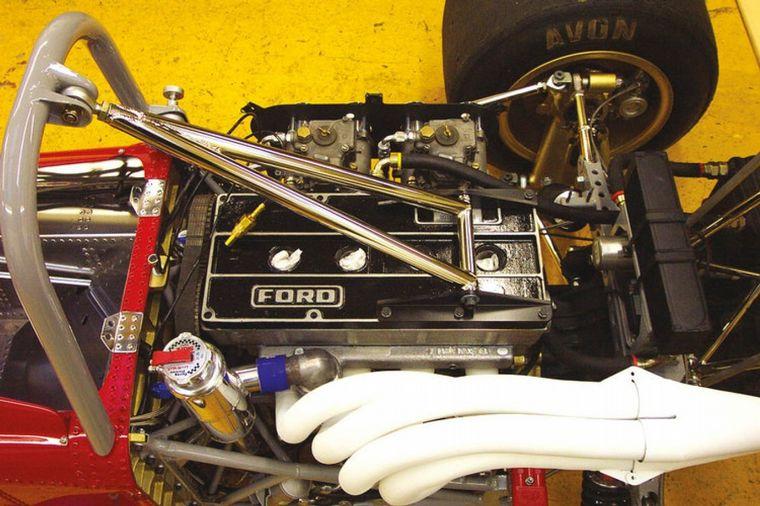 FOTO: Un ensayo con el De Tomaso 103 que Frank Williams testea