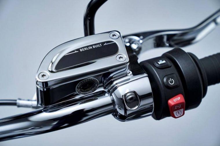 FOTO: Detalle de velocímetro bien clásico de la BMW R18