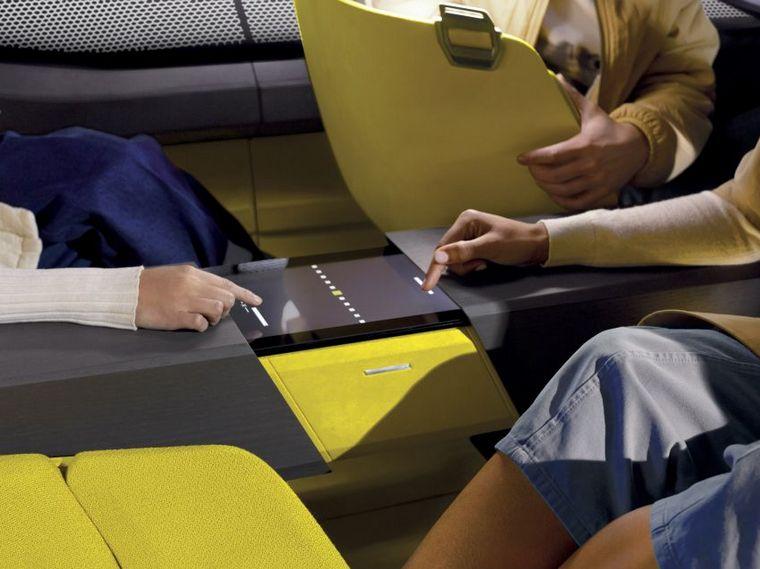 FOTO: La butaca del acompañante -frente- se gira para interactuar