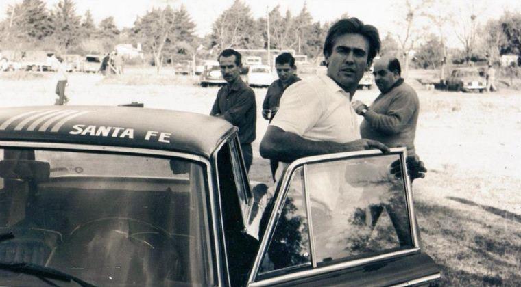 FOTO: La berlina de Reutemann dejó atrás al Mini y llegará a C. Paz primera en el camino