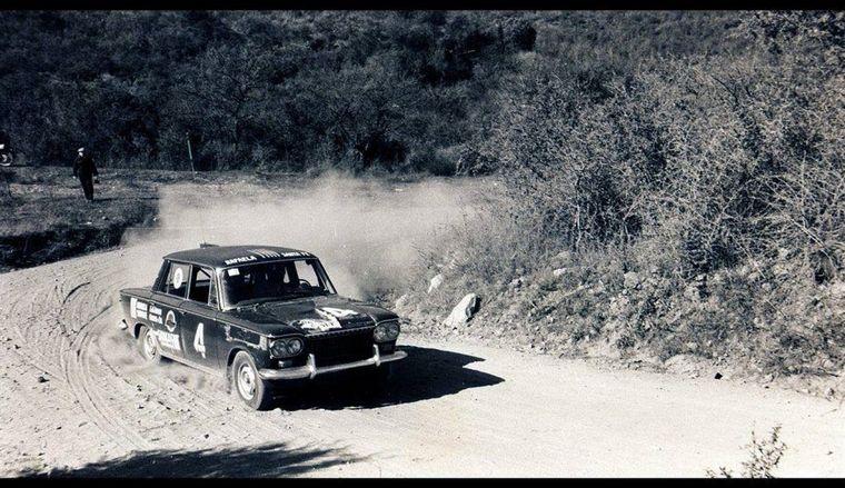 FOTO: Reutemann ganó la primera carrera de su vida en Córdoba, en la montaña