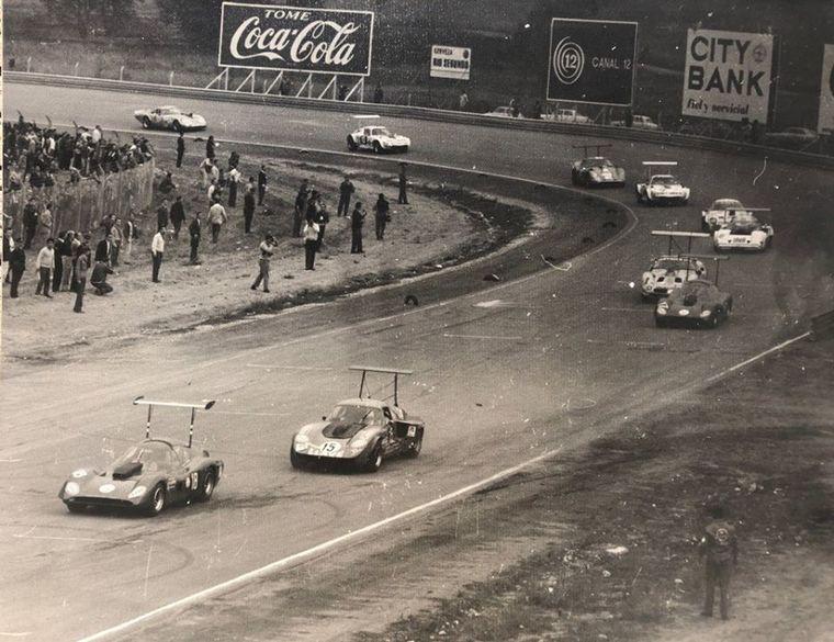 FOTO: SP en el Cabalén, primera fila: Di Palma, Pascualini, Reutemann