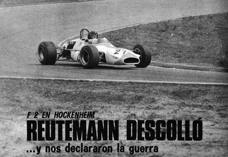 """FOTO: """"Reutemann, von Argentinien"""", decían los altoparlantes, 120 mil personas, ese día"""