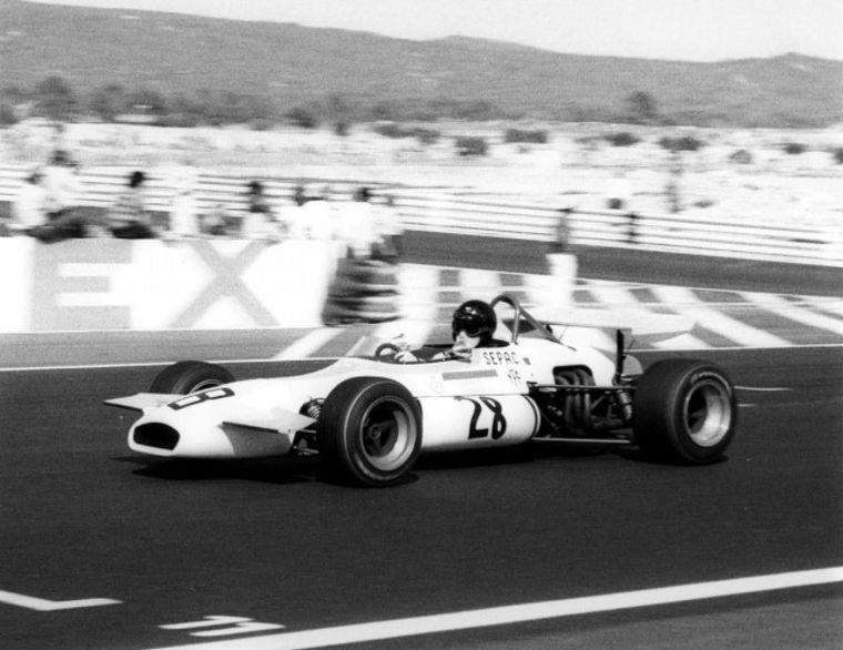"""FOTO: El """"Lole"""" de la F1, tal vez, con la mente puesta en el gran camino recorrido"""