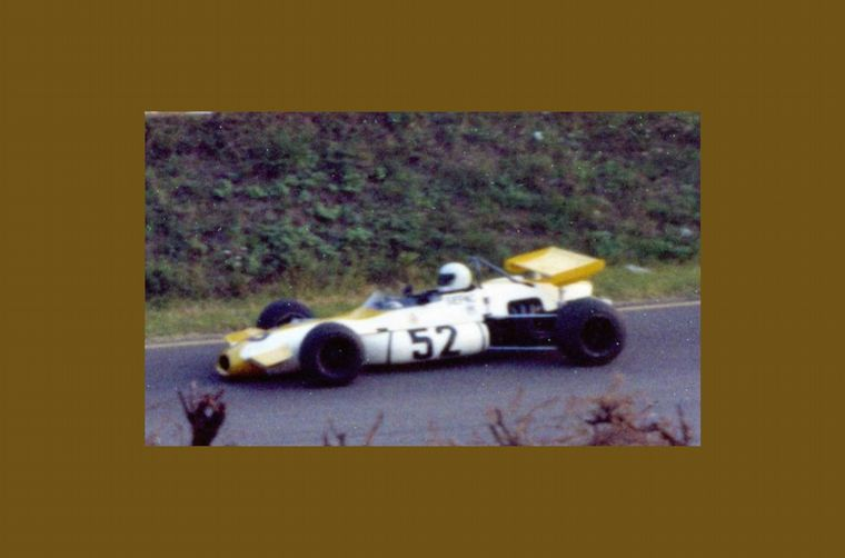 FOTO: En una carrera en Austria, la semana después al accidente mortal de Rindt