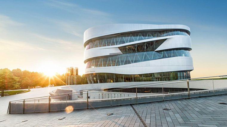 FOTO: El Mecedes-Benz Museum ha reabierto sus puertas en Stuttgart