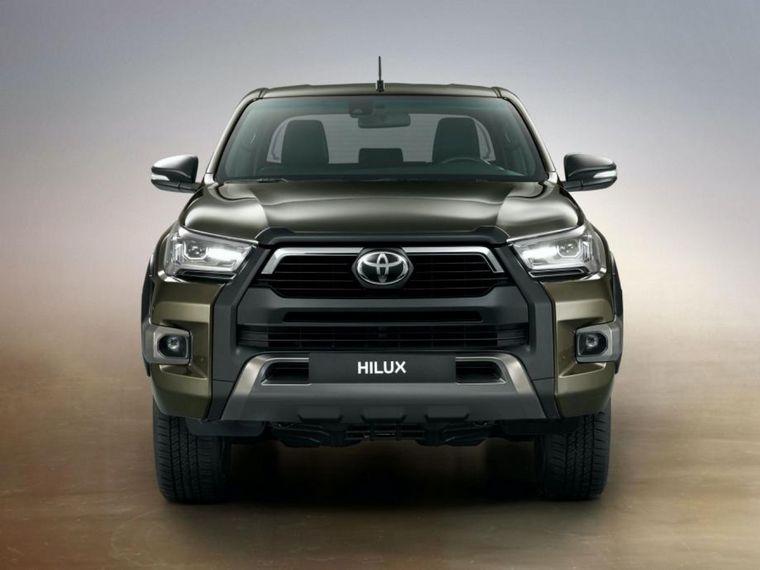 """FOTO: El nuevo """"look"""" de la Toyota Hilux 2021 en su versión """"Invincible"""""""