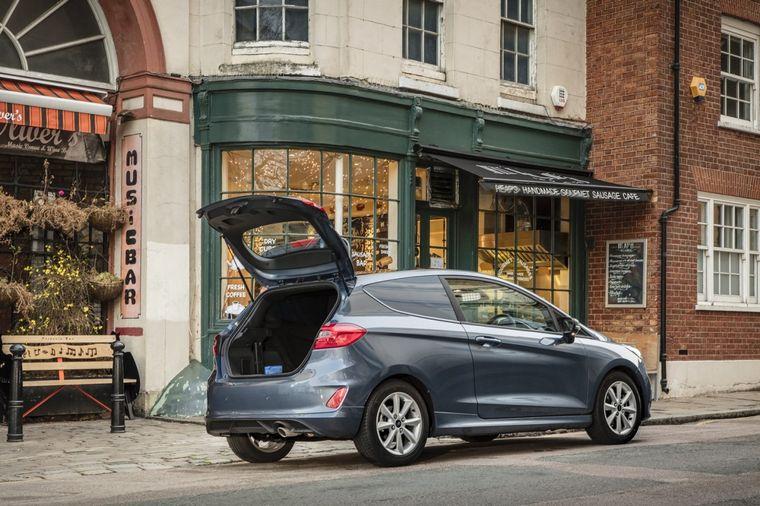 """FOTO: El Fiesta es el modelo más vendido de Ford en Europa y se viene el """"electrificado"""""""