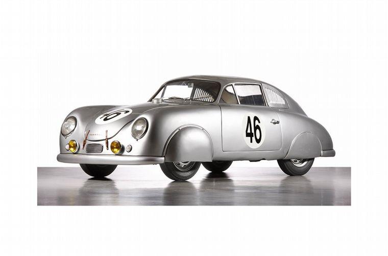 FOTO: 1948, nace el 356; mecánica del VW y solo 585 kilos, un deportivo que hará historia