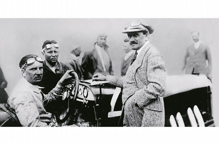 """FOTO: En 1900, Ferdinand diseñó el primer """"híbrido"""" de la historia -nafta/eléctrico-"""
