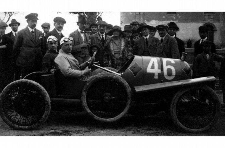 FOTO: A la salida de la I Guerra, Porsche piensa en autos más pequeños