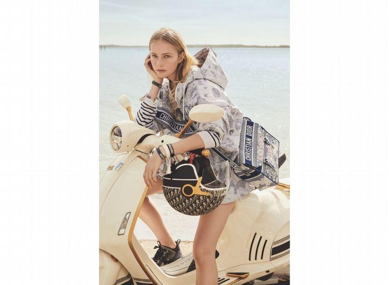 FOTO: La directora creativa de Christian Dior, Maria Grazia Chiuri agregó toques exclusivos