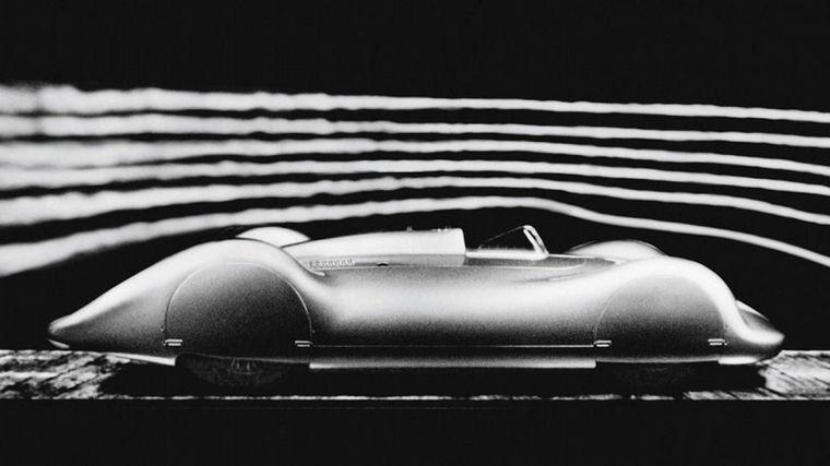 FOTO: Porsche y Rosemeyer: el ex-motociclista murió intentando un récord en 1938