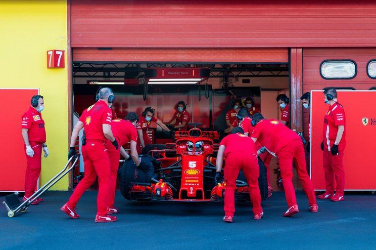 FOTO: Cuatro meses después, Seb5 vuelve a subirse a un F1