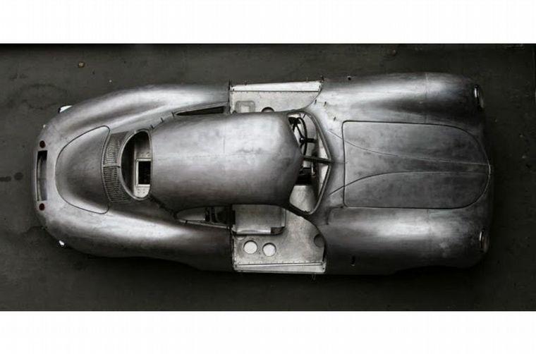 FOTO: El VW Tipo 64 de 1939 se considera el antepasado directo de los Porsche