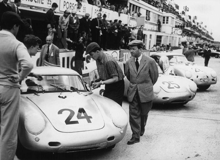 FOTO: Umberto Maglioli listo para ganar la Targa Florio de 1956