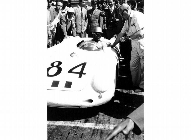 FOTO: En 1956 se fabricó la unidad '10.000' del Porsche 356