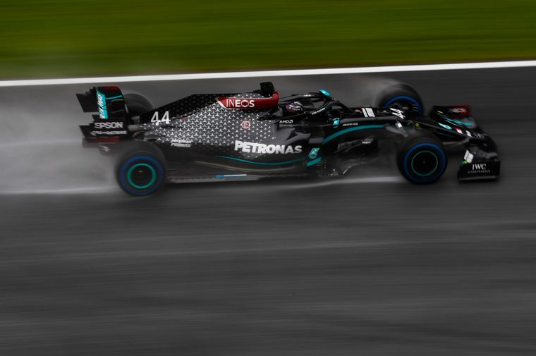 FOTO: Carlos Sainz Jr. brilló bajo la lluvia con su McLaren, fue 3°, su mejor 'qualy'