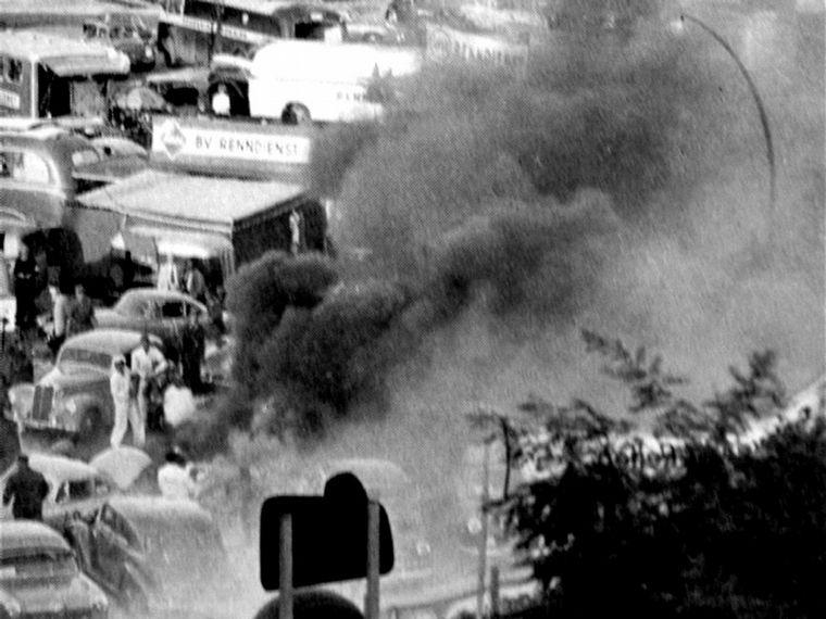 FOTO: La máquina tomó fuego en el paddock del semipermanente berlinés