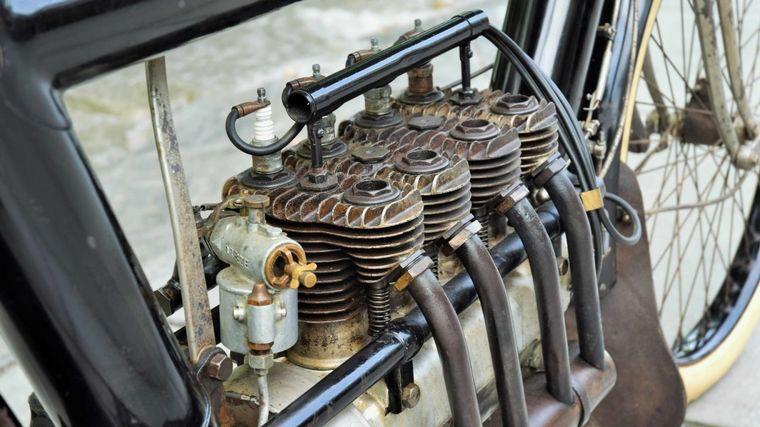 FOTO: El motor del Pierce Four tenía una arquitectura de válvulas laterales