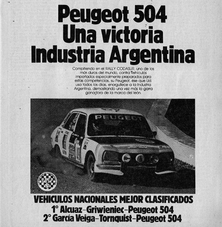 """FOTO: Reutemann, el Fiat y los fanáticos a la tapa de """"El Gráfico""""."""