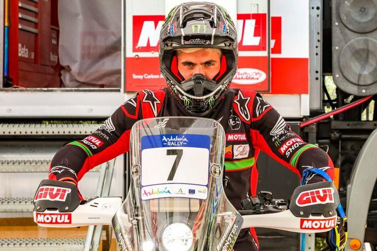 FOTO: Carlos Sainz y Nasser Al Attiyah preparan el Dakar con el Andalucía Rally